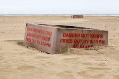 BBQ κιβώτια στην παραλία στοκ εικόνα με δικαίωμα ελεύθερης χρήσης