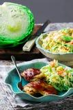 BBQ κοτόπουλο στο μικρόκυμα, με Coleslaw Στοκ Εικόνες