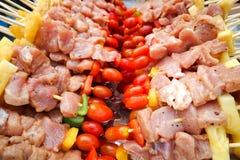 BBQ avec la cuisson de chiche-kebab Photos stock