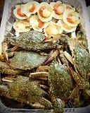 bbq crabs сырцовые продукты моря scallops Стоковые Фото