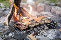 BBQ crepitante do verão Fotografia de Stock Royalty Free