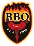 BBQ das palavras nas chamas e na salsicha na forquilha Fotos de Stock Royalty Free