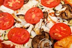 Bbq de la pizza en una placa blanca Foto de archivo libre de regalías