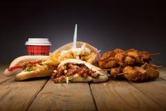 BBQ de poulet de hot dog de pain pita Photographie stock libre de droits