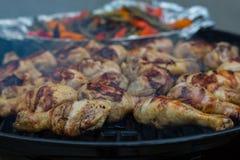 Bbq-Huhn auf der Art eines warmen Tages vesseny Stockfotos
