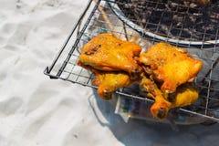 Bbq kip op een strandachtergrond Royalty-vrije Stock Afbeelding