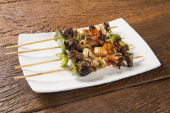 Free Bbq Meat On Sticks, Kebab Skewers With Vegetable Sticks Royalty Free Stock Photo - 94924155