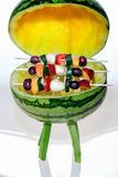 BBQ med fruktsteknålar Fotografering för Bildbyråer