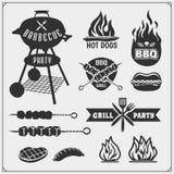 Bbq- och galleretikettuppsättning Grillfestemblem, emblem och designbeståndsdelar Arkivbild
