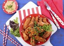 BBQ położenie z korzennymi kurczaków skrzydłami Obraz Stock