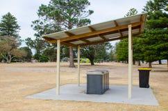 BBQ terenu park z kuchenką przy Brighton Le Piasek plażą publicznie, Sydney, Australia zdjęcia royalty free