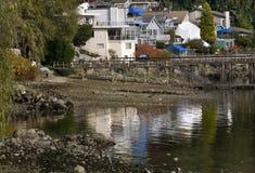 BC加拿大小海湾深刻的港口反映温哥华 免版税库存图片