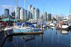 BC小河街市错误地平线温哥华 免版税库存照片