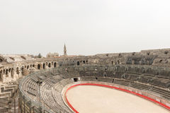 BC 1世纪罗马圆形露天剧场在尼姆,法国 免版税库存图片