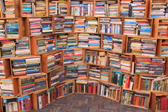 böcker mycket Arkivbild