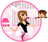 Bäckereifrau Holding-Kuchen Stockbilder