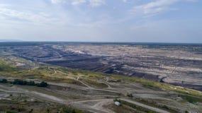 BeÅ 'chatà ³ w kopalnia w tle elektrownia, Polska, 08 2017, widok z lotu ptaka obraz royalty free
