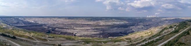 BeÅ 'chatà ³ w kopalnia w tle elektrownia, Polska, 08 2017, widok z lotu ptaka zdjęcie royalty free