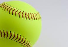 Beísbol con pelota blanda imagen de archivo libre de regalías