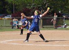 Beísbol con pelota blanda de las muchachas Imagen de archivo