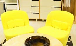 beżowych czarny krzeseł grupowy biuro jeden Obraz Royalty Free