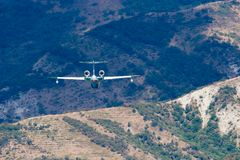 Be-200 en curso de aterrizaje Fotos de archivo
