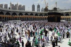 Be i den heliga Kaabaen Royaltyfria Foton
