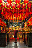 Be i den Taipei templet Royaltyfri Foto