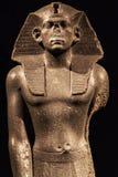 Be statyn av konungen Amenemhet III Arkivbilder