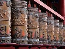 Be valsar för brons med sanskrit symboler Royaltyfria Bilder