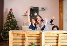Beacause heureux de mère et de fille des vacances Images libres de droits