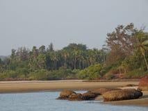 Beach旁边湖, Redi海滩 免版税库存图片