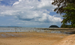 Beach. Ebb and flow on the island of samui Royalty Free Stock Photography