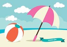 Beach ball ed ombrello di Sun Fotografia Stock Libera da Diritti