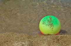 Beach Ball in Sea Shallow Royalty Free Stock Photos