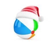 Beach ball su un'illustrazione bianca del fondo 3D, del cappello di Santa rappresentazione 3D Immagini Stock Libere da Diritti