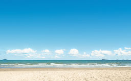 Beach and blue sky background Royalty Free Stock Photography