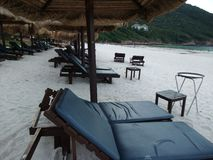 Beach chairs and cabana Royalty Free Stock Photos