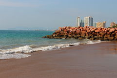 Beach and city landscape Royalty Free Stock Photography