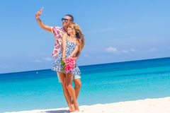 Beach couple on romantic travel honeymoon vacation summer Royalty Free Stock Photo