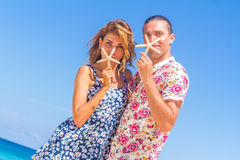 Beach couple on romantic travel honeymoon vacation summer Royalty Free Stock Image