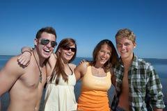 beach couples Στοκ Φωτογραφίες