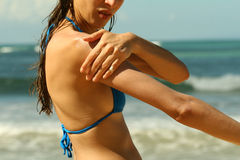 beach creaming 免版税库存图片