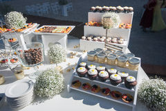 Beach destination wedding candy bar. Deserts, pastry Royalty Free Stock Photography