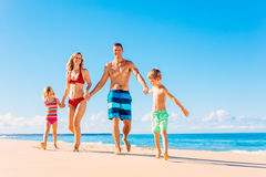 beach family fun happy having Στοκ Εικόνα