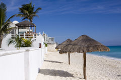 Beach Living. Beach front resorts in Cancun, Mexico Royalty Free Stock Photos