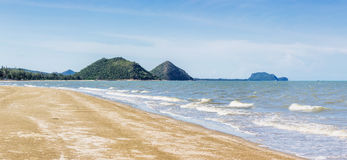 Beach and mountain on daylight time Royalty Free Stock Photos