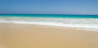 Beach and Ocean's waves in Fuerteventura Royalty Free Stock Photography