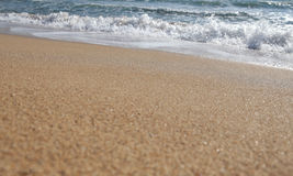 Beach shoreline and breaking waves Royalty Free Stock Photography