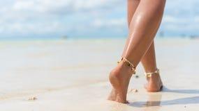 Free Beach Travel Concept. Sexy Legs On Tropical Sand Beach. Walking Female Feet. Closeup Stock Photo - 153580560